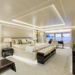 светлая спальня приятный дизайн