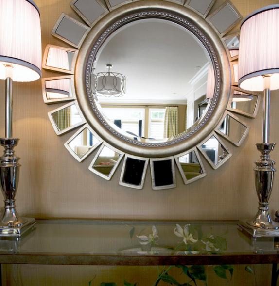 Очень эффектное и необычное зеркало-солнце
