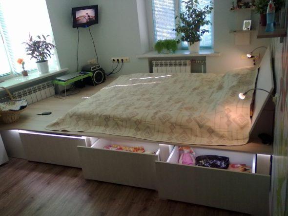 В спальнях с низким потолком