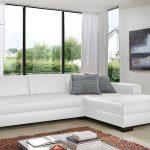 белая мебель в интерьере дома
