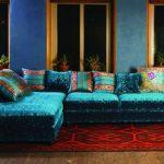 бирюзовый диван в гостиной
