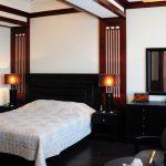 двуспальная кровать черная