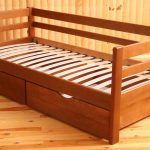 кровать детская с ламелями