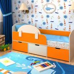 детская кровать с бортиками удобная