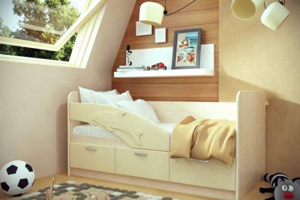 детская кровать с изображением дельфина