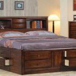 двуспальная кровать с 4 ящиками