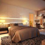 двуспальная кровать для пары