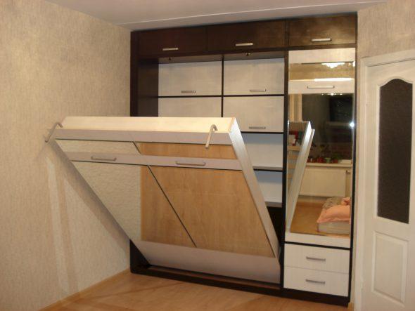 откидная кровать в шкафу купе