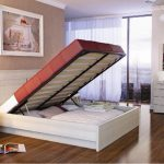 двуспальная кровать со шкафом внизу