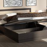 двуспальная кровать со шкафом