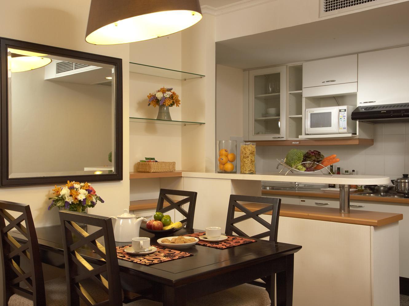Как оформить обеденную зону в кухне