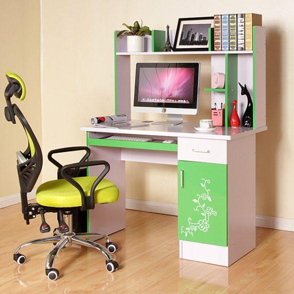 стол детский компьютерный