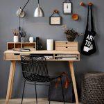 стол для школьника из дерева
