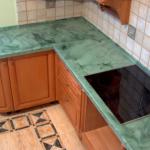 столешница зеленый камень