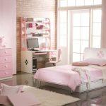 интерьер светло розовой спальни