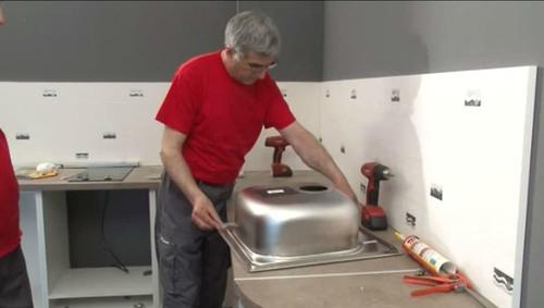 установка мойки на кухни