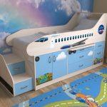 детская кровать с бортиками самолет