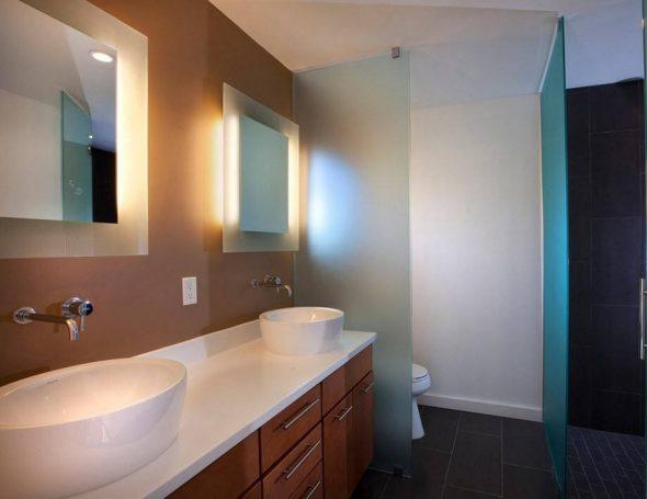 зеркало в ванной расстояние