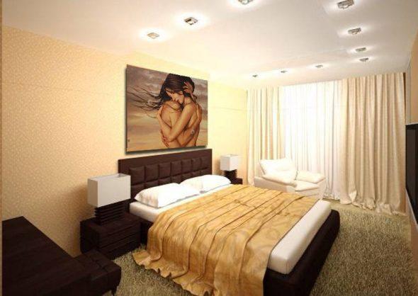 Хорошо в спальню повесить картину с изображением романтической пары — мужчины и женщины.