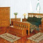 Искусственно состаренная мебель в спальне фото