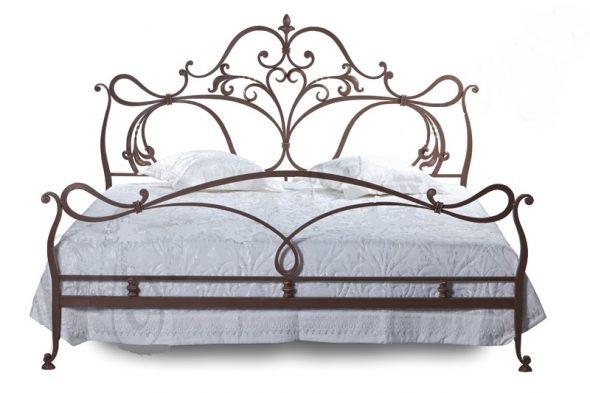 Металлические кровати считаются прочными и надежными