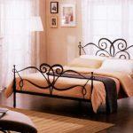 Металлические кровати в интерьере