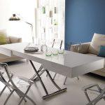 Пластиковый стол - трансформер для гостиной