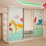 Шкаф-купе в детскую комнату с рисунком