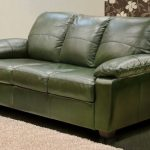 зеленый диван трехместный