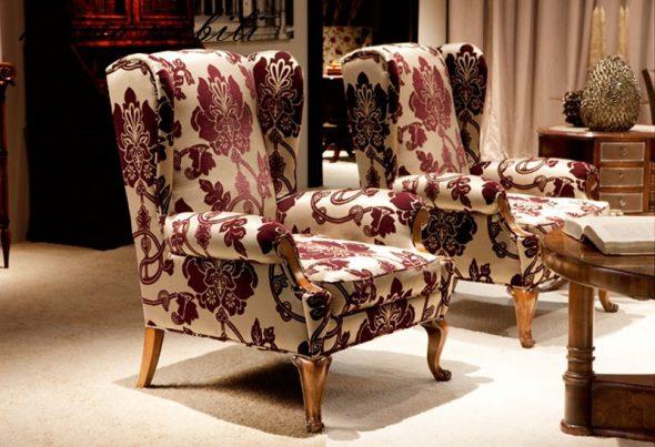 английское кресло пестрое