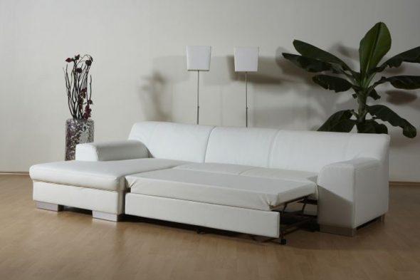 белый угловой диван из экокожи