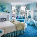 бескаркасная мебель в спальной комнате