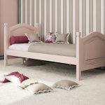 кровать из массива дерева классика