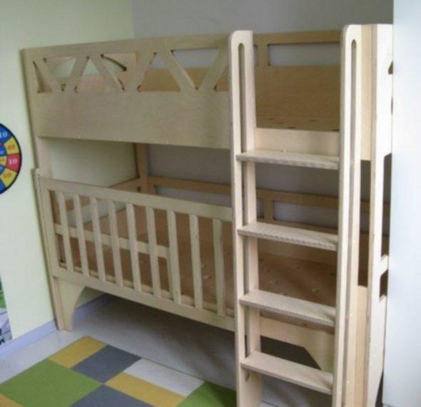 кровать с манежем