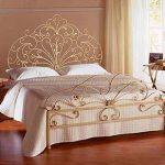 двухспальная кованая кровать