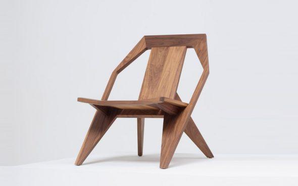 фанерное кресло