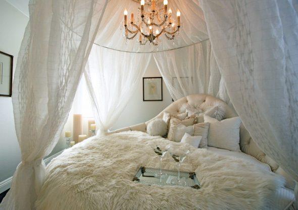 балдахин в спальне белый