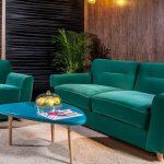 зеленый диван обивка