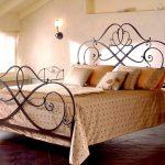 изысканная кованая кровать
