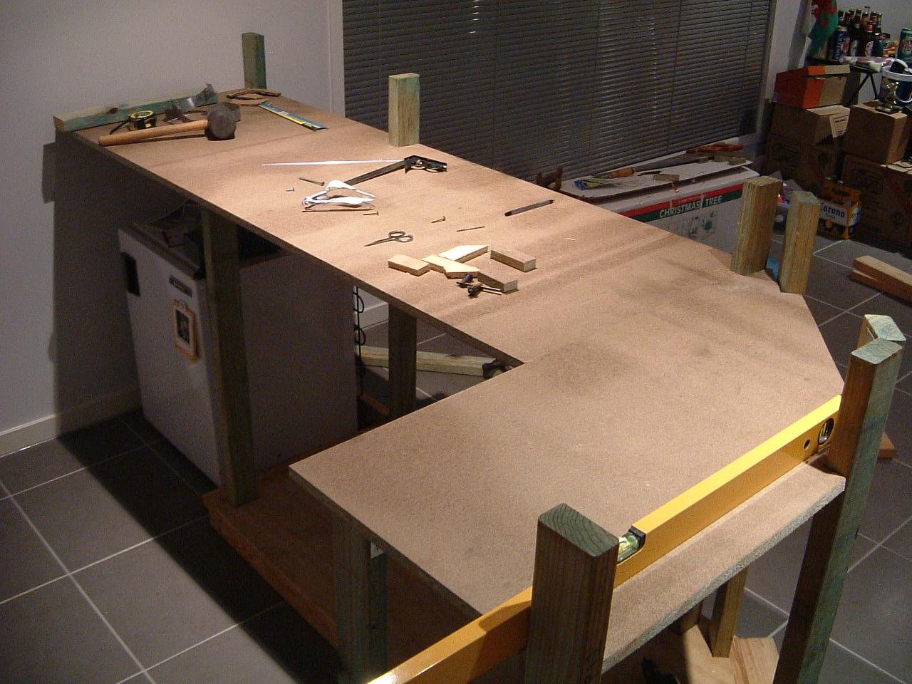 Столешница из фанеры для кухни