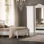 деревянная кровать классическая