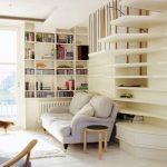 книжные полки в гостиной