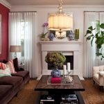 коричневый диван интерьер гостиной