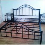 кованая красивая черная кровать