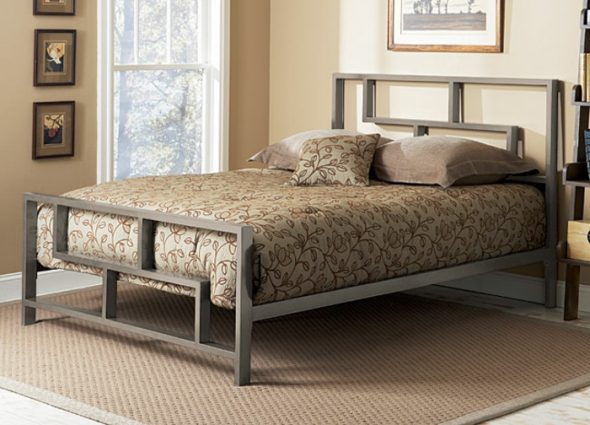 красивая металлическая кровать