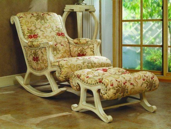 кресло качалка с подставкой