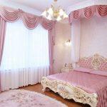 двуспальная кровать розовая