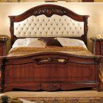 двуспальная кровать массив ореха