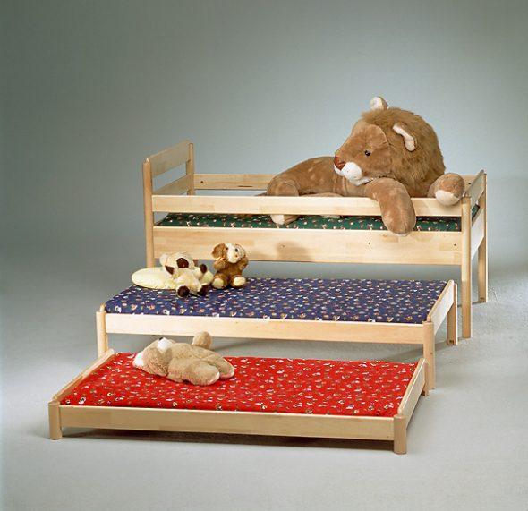 кровати для сада