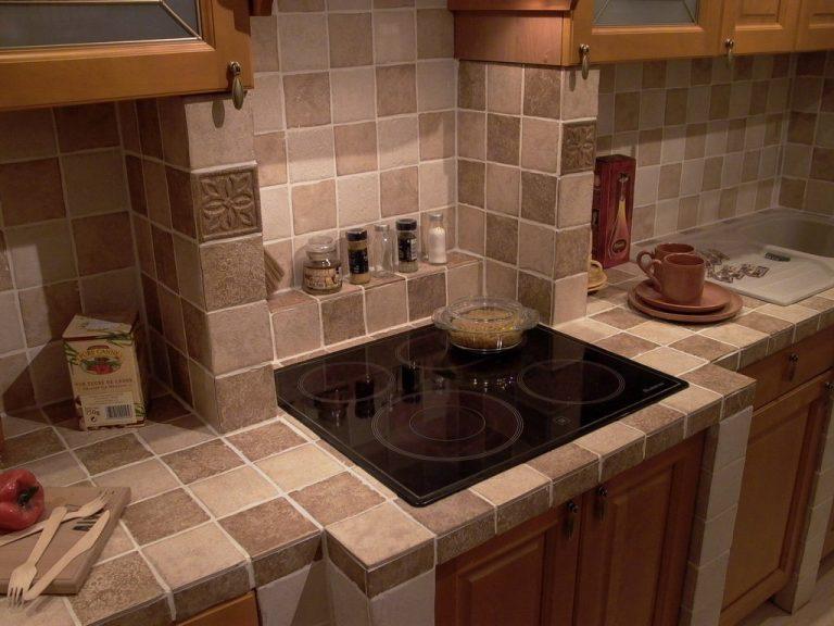 Как сделать на кухне столешницу из плитки своими руками 71